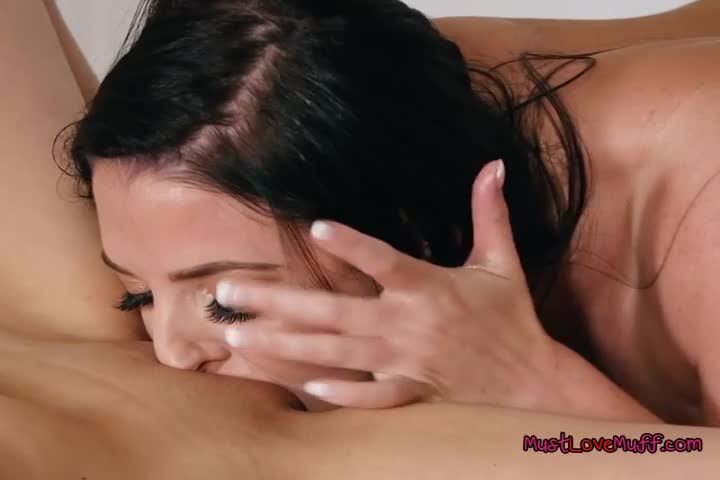 Abigail Mac and Kendra seducing each others pussy for pleasure2