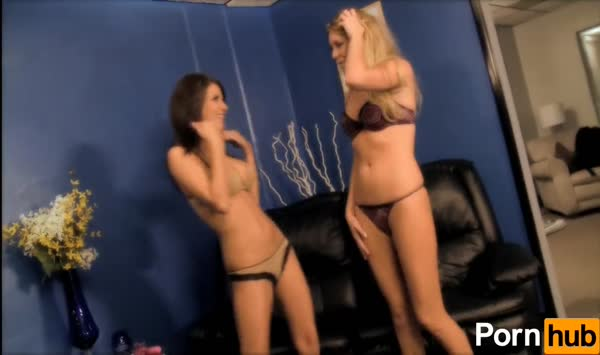 0160_Dirty Garden Girl - ass fisting and dildoing ~62