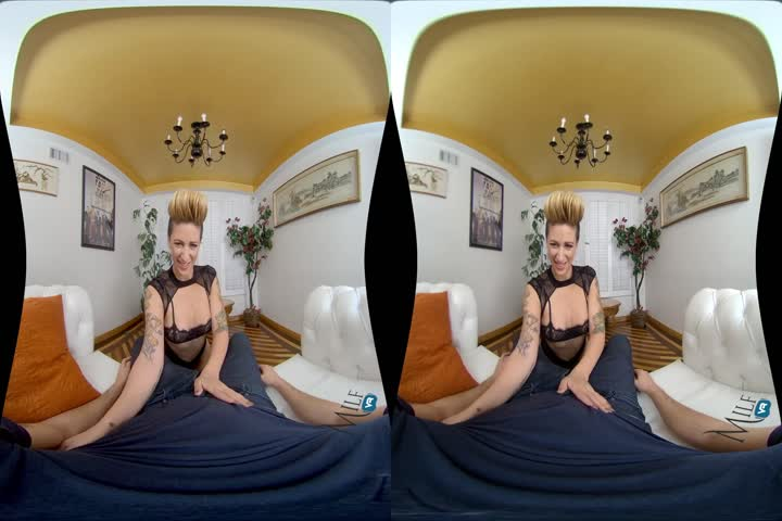 18VR Morgan Rodriguez And Gina Gerson Share Cock VR Porn20