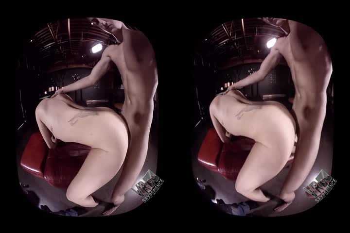 18VR Two Rocky Dicks For Alexis Crystal VR Porn95