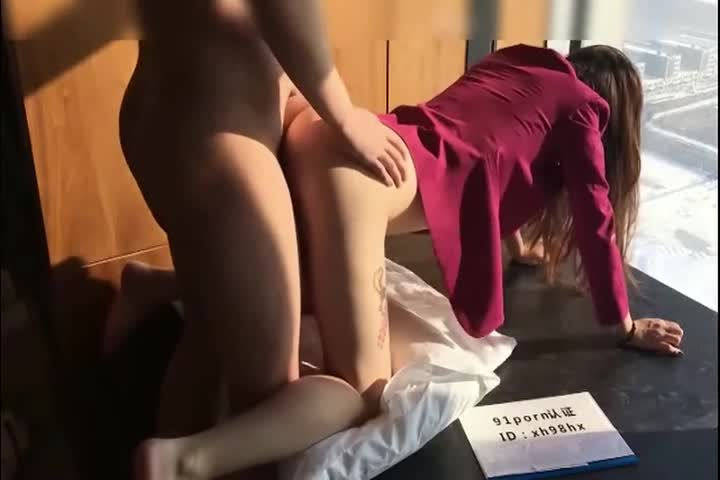 91 newcomer xh98hx new work-Air China sister sexy tattoos in front of floor-to-ceiling window table with beautiful buttocks and then fucking in bathtub uniform temptation female orgasm wave