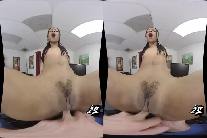 Watch The Incredible Samantha Jolie Play With Your Mind In VR