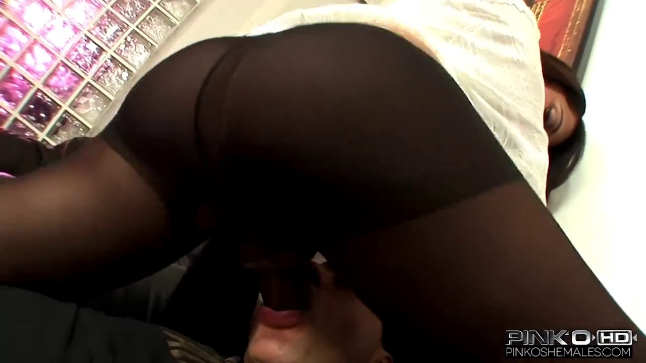 black_shemale_loves_riding_dick