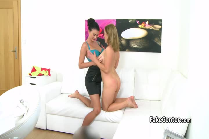 Stunning Lesbians Licked and Kissed Themselves with Huge Passion on Bed