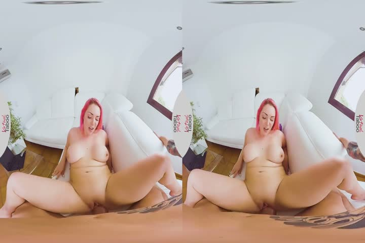 18VR Two Rocky Dicks For Alexis Crystal VR Porn13