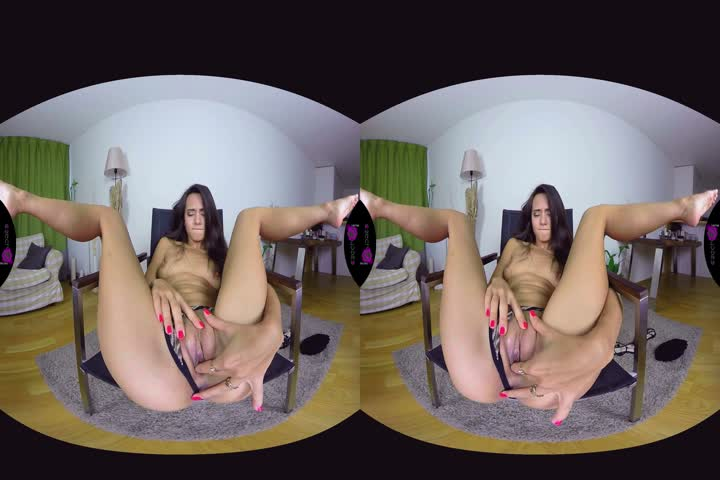 18VR Two Rocky Dicks For Alexis Crystal VR Porn34