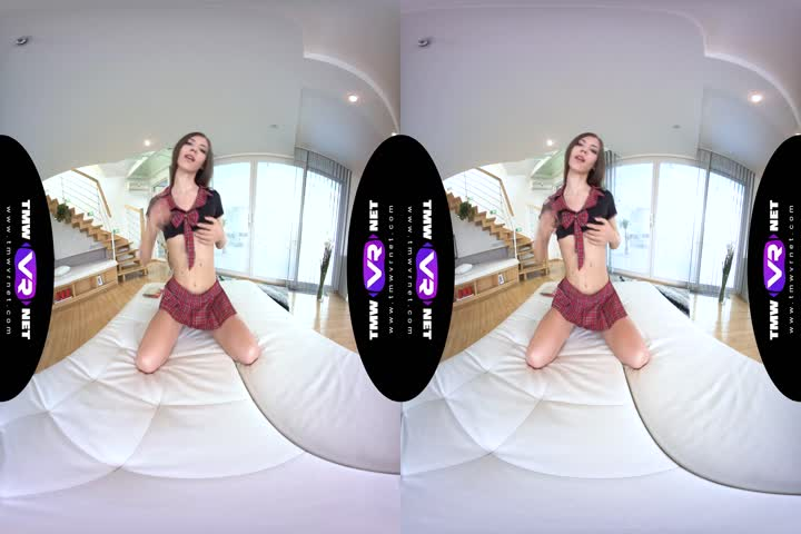 18VR Two Rocky Dicks For Alexis Crystal VR Porn68