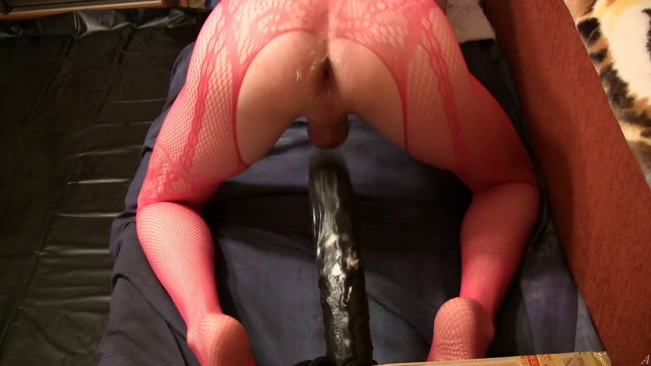 TS anal is too tight for Rafe cock but they cumshot together